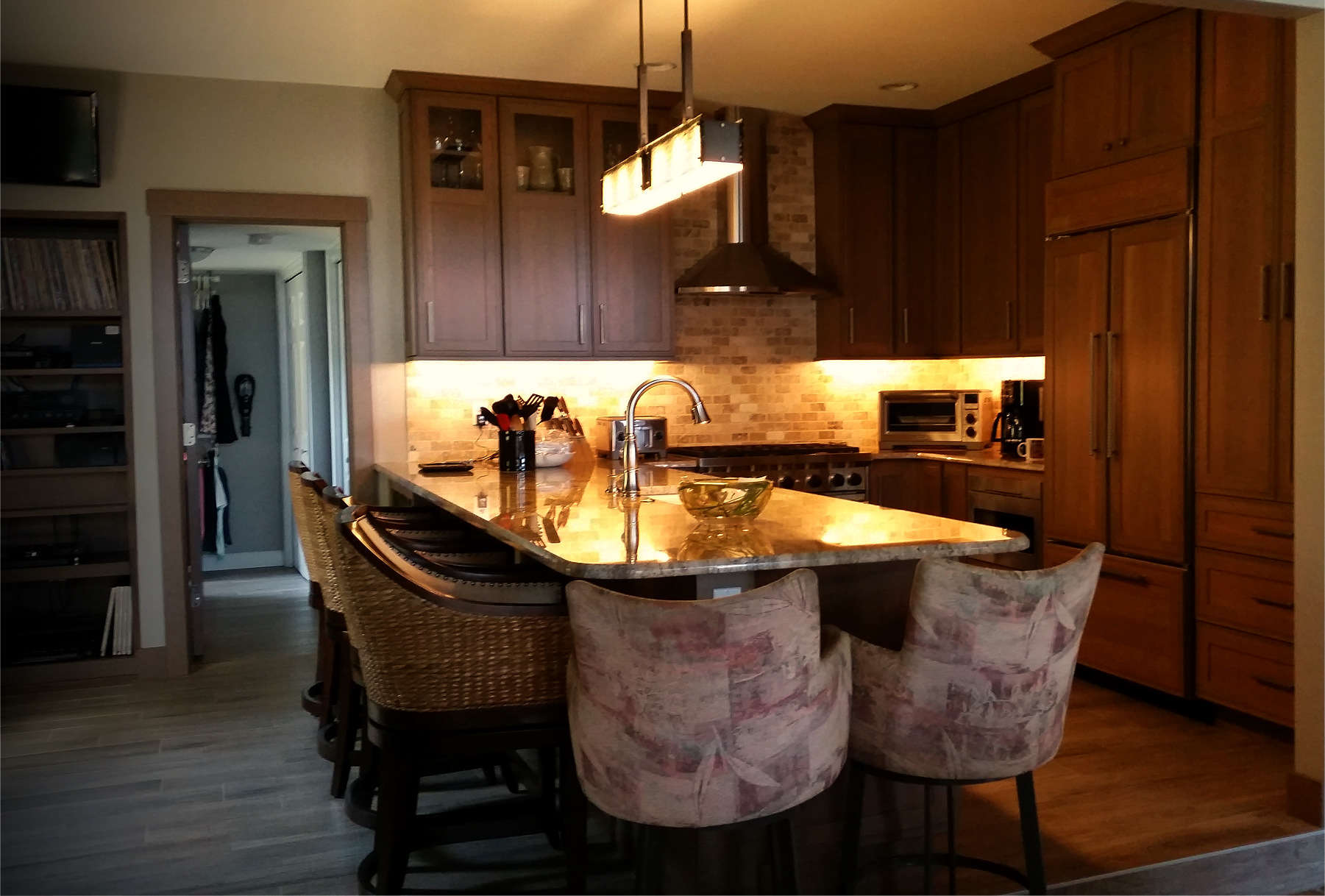 Granite Counter Dining Kitchen Area By Fenton Lake Building